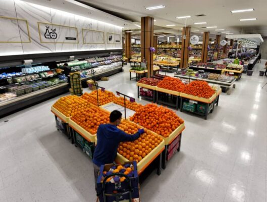 citrus and lemon tables in FRESHWAY – MARKHAM Ontario